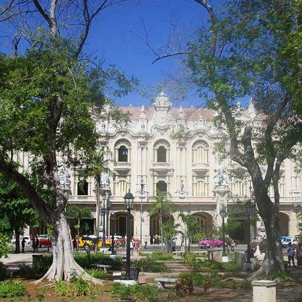 Travel_Testimonials_Cuba_Architecture.jpg