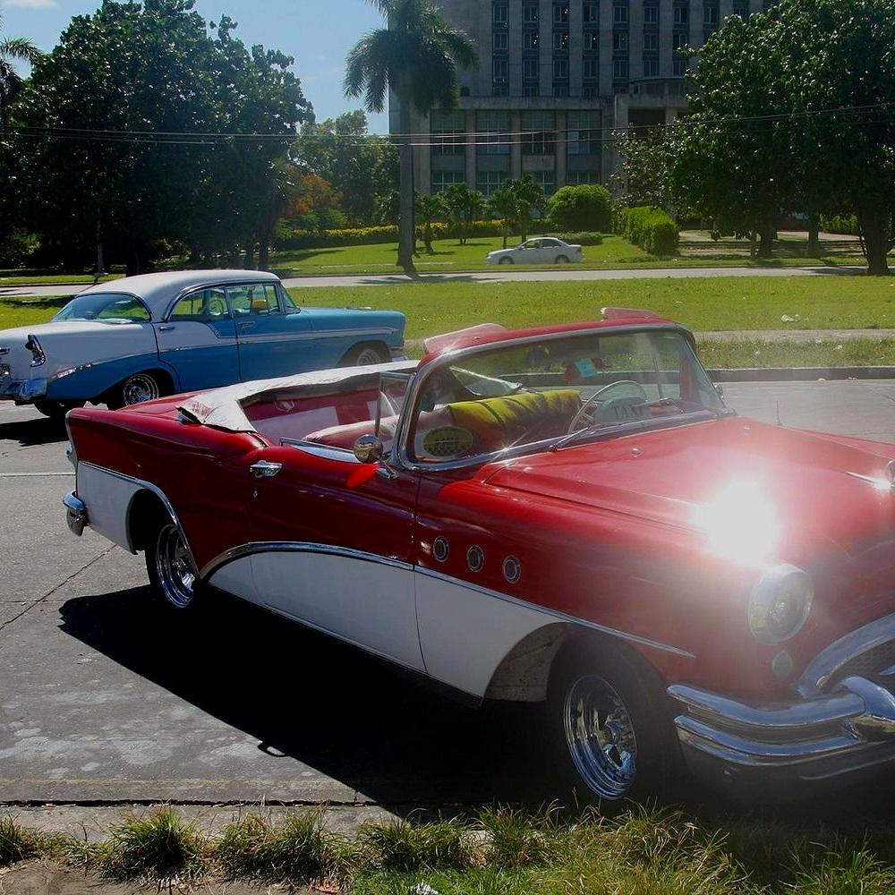 Travel_Testimonials_Cuba_Classic_Car.jpg