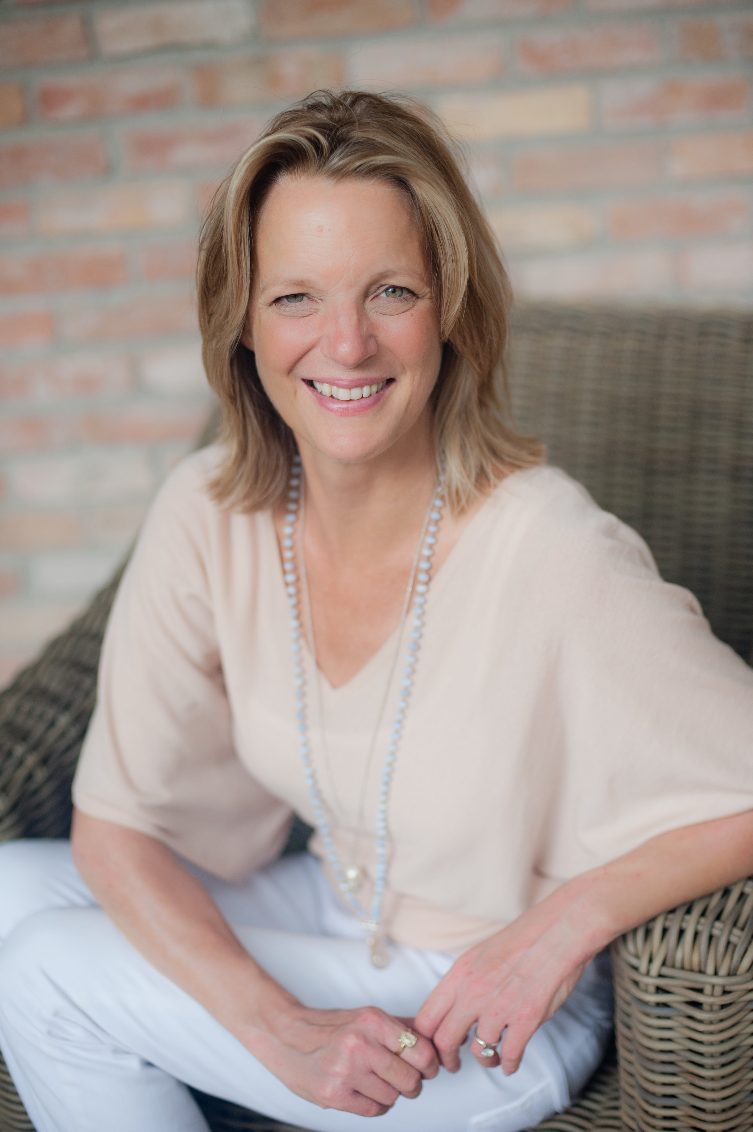 elizabeth-irvine-true-wellbeing-author-mentorship-counsel.jpg