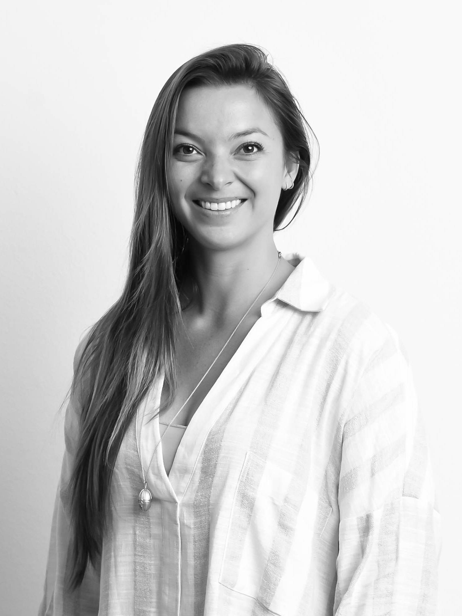 sarah-irvine-truewellbeing-brand-manager-digital-content-creator.jpg