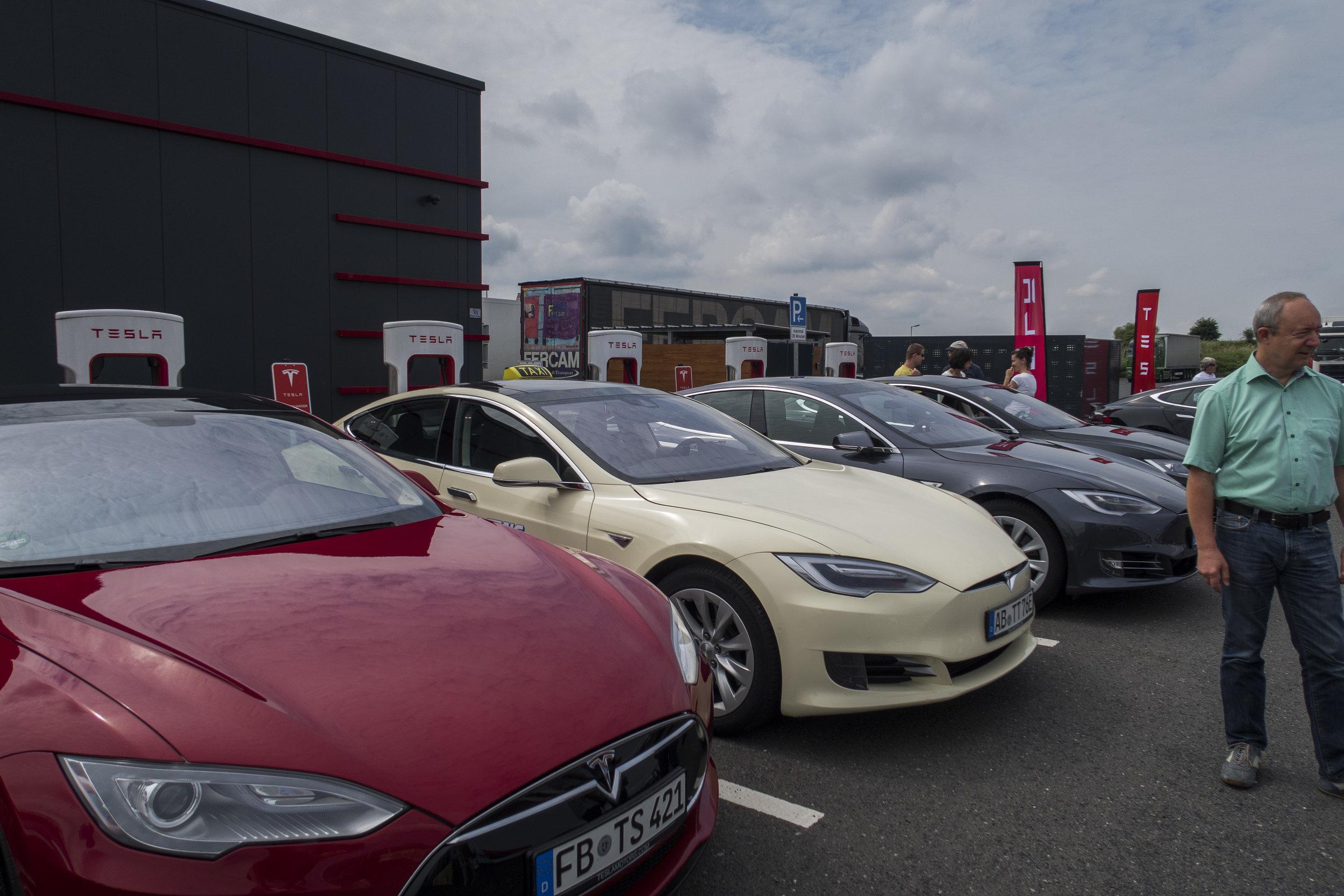 Tesla Sommerfest.jpg