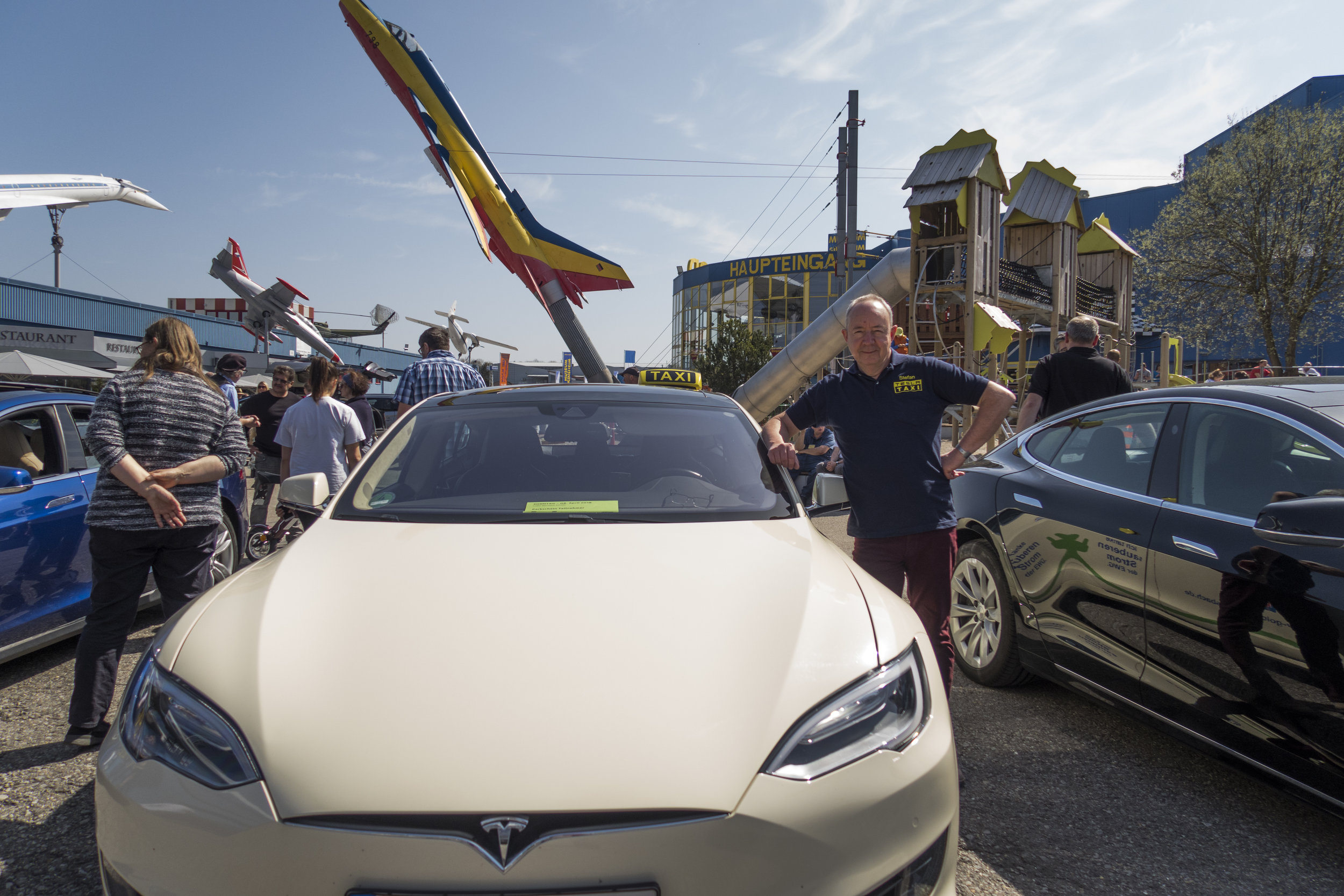 Tesla Taxi in Sinsheim.jpg