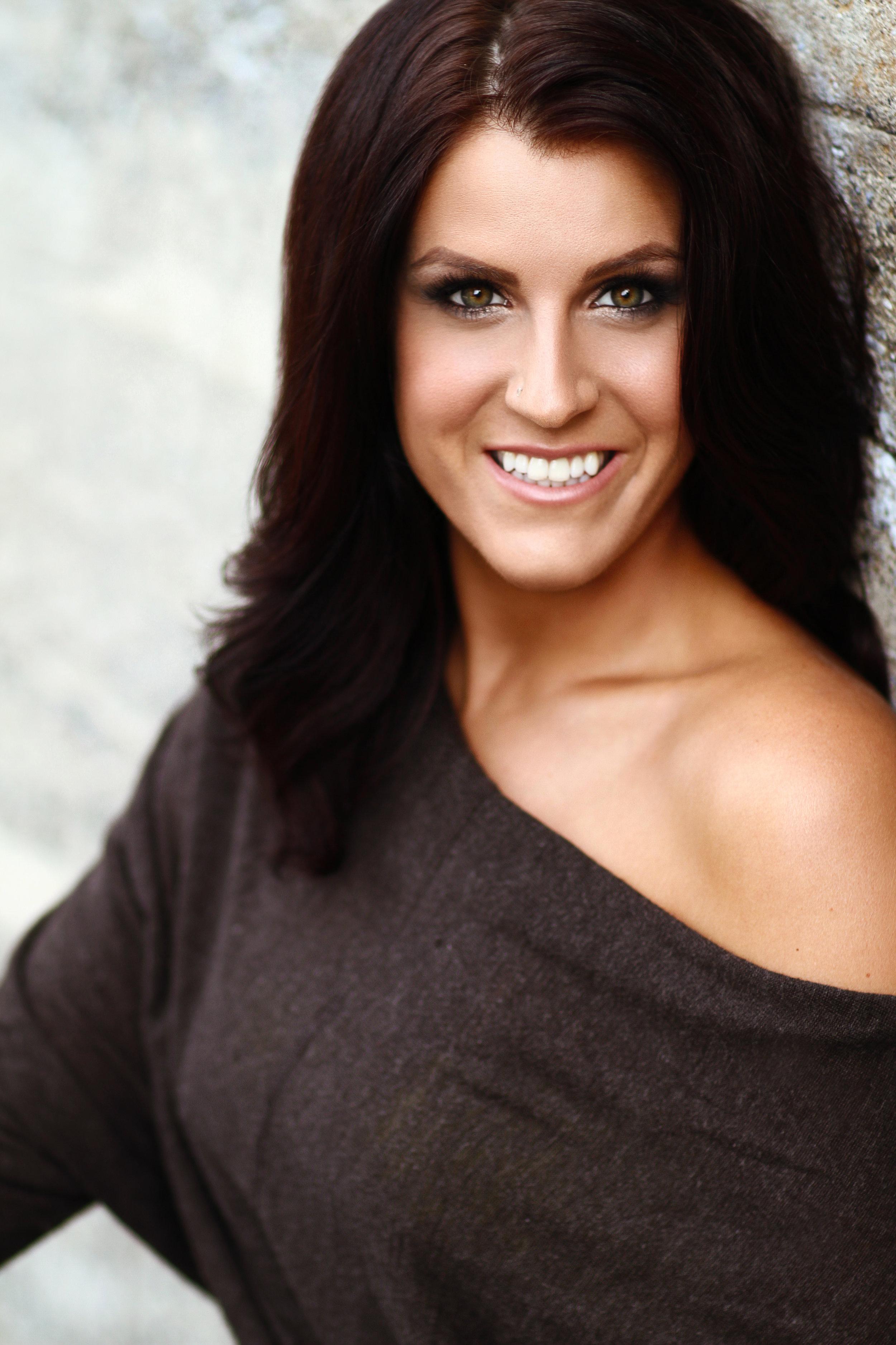 Brenna Banks Headshot.jpg