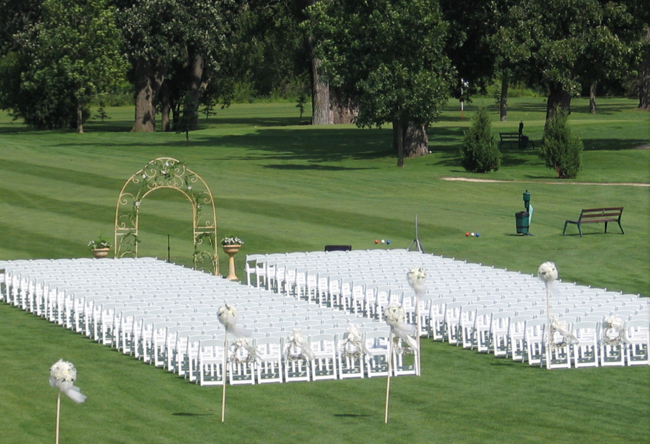 wedding-2-chair-lineup.png