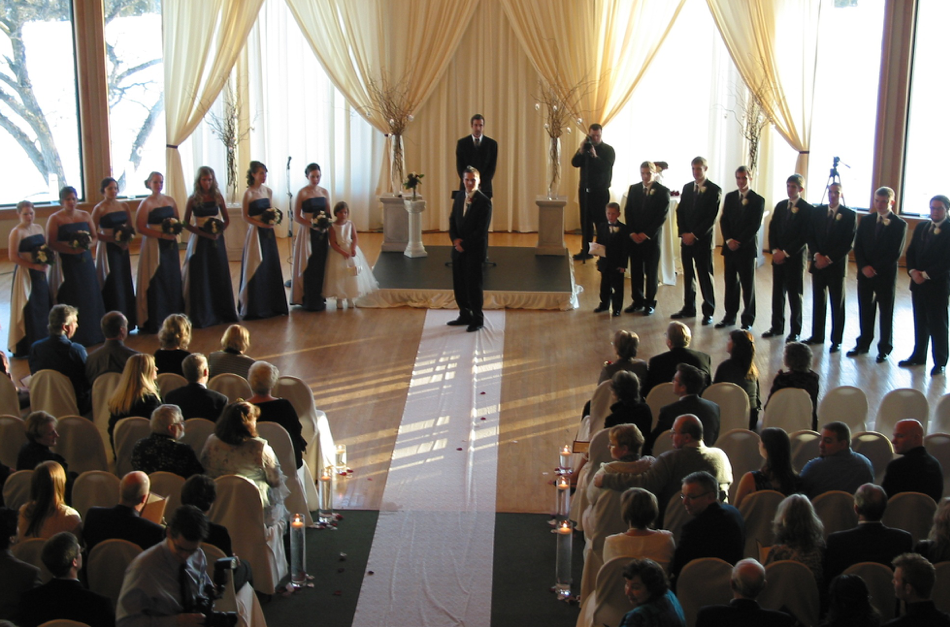 wedding-insdie-waiting.png
