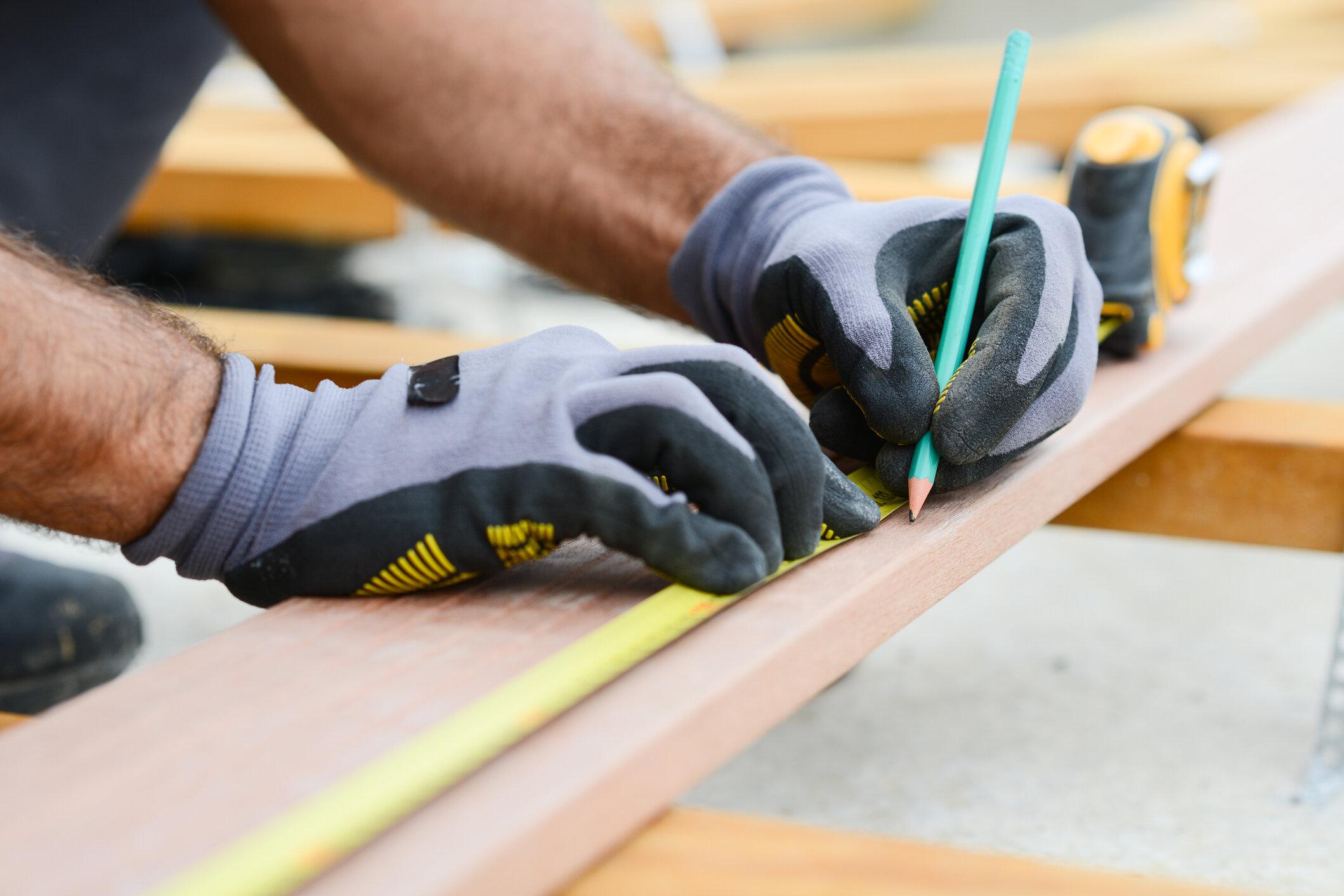 Carpentry_iStock-945467306.jpg