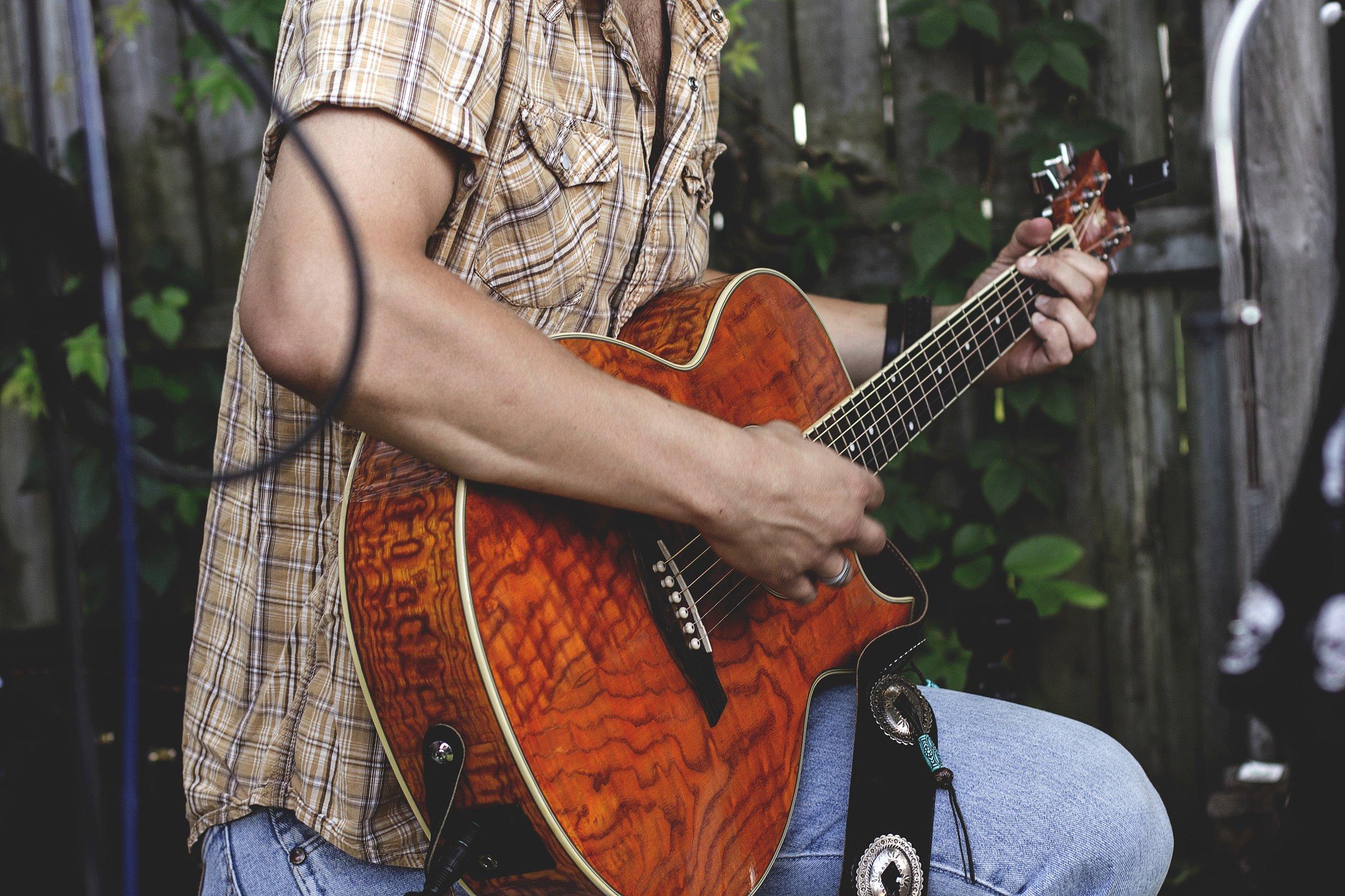 Nashville Singer-Songwriter Experience In-Suite