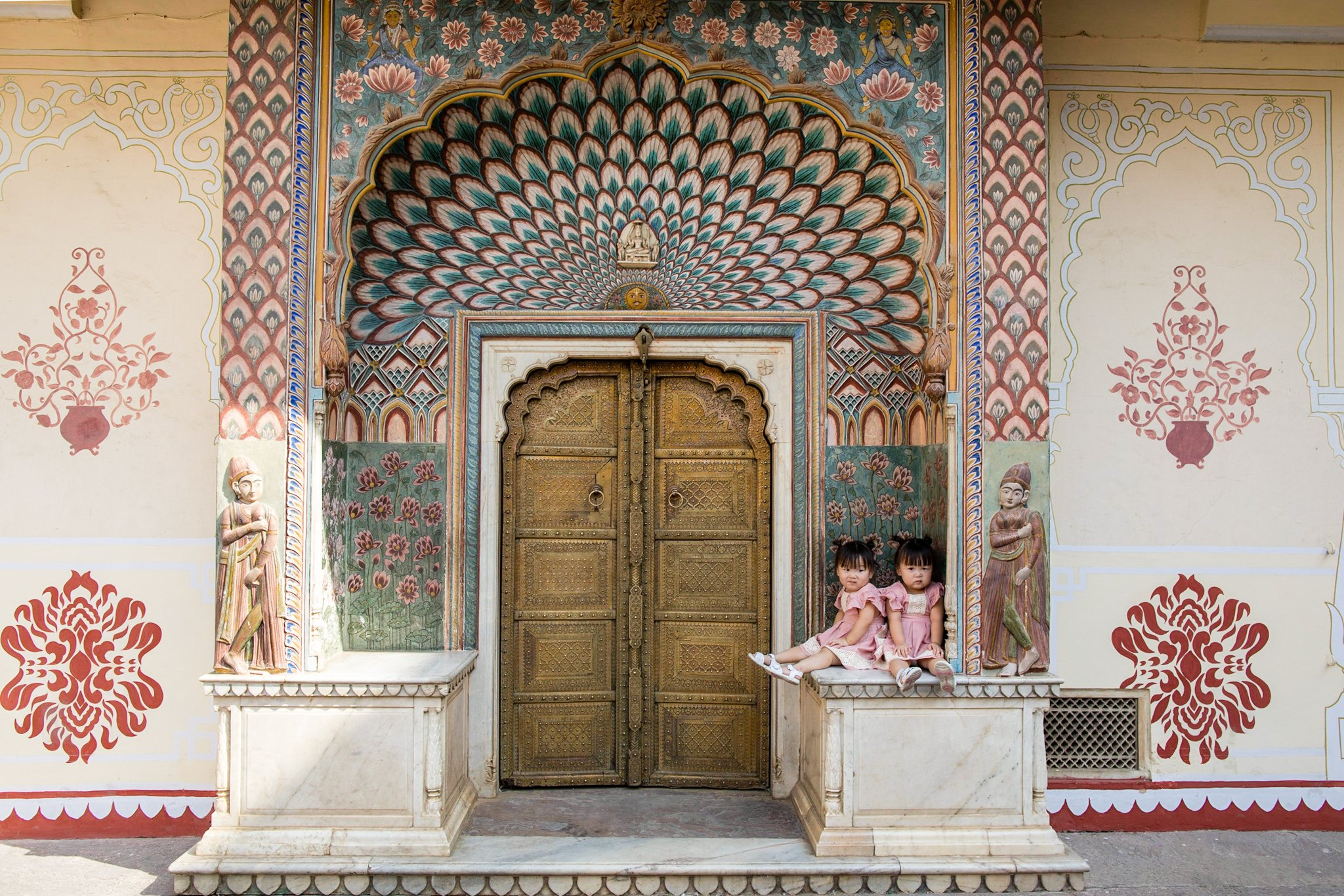 The Lotus Gate in the southwest represents summer and is adorned with dramatic lotus petals and flower patterns.