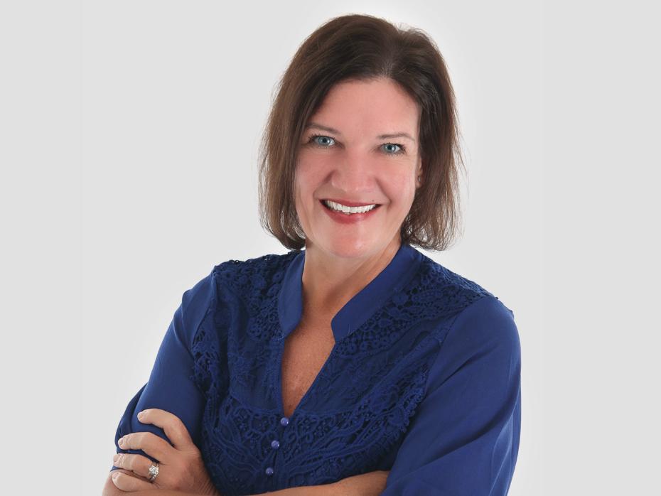 Elizabeth Isham  | Sales Associate