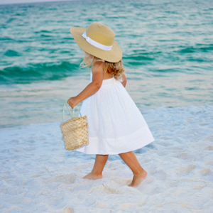 jeannie-davis-wedding-photography-girl-walking-beach.jpg