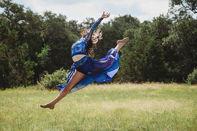 """This is power, it is glory on earth and it is yours for the taking"""" - Agnes De Mille  #dancephotography #dancers #dancersofinstagram #dance #dancing_is_life #jeanamarinophotography #austintexas #austinphotography #portraitphotography"""