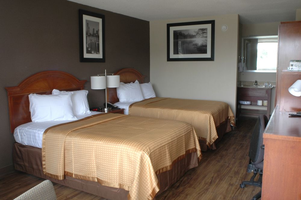 Double room - Double the beds, double the fun. Our double room comes with two full-size beds and can easily accommodate a small family - adults and children. Free WiFi, flat screen tv, and more included for a fun, relaxing stay for everyone.Number of guests: 1 (Max 2 persons )Price: $69.99 +tax