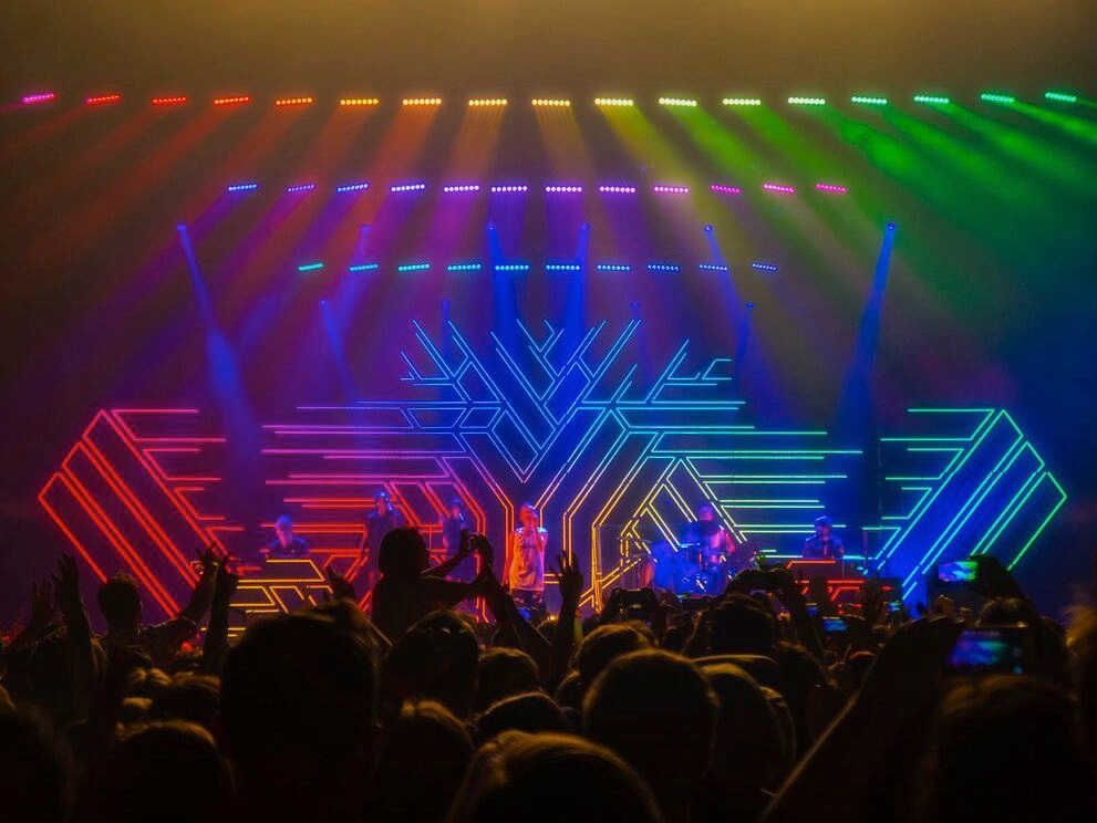 YEARS AND YEARS: TOUR   Scenic fabrication / Cassius Creative
