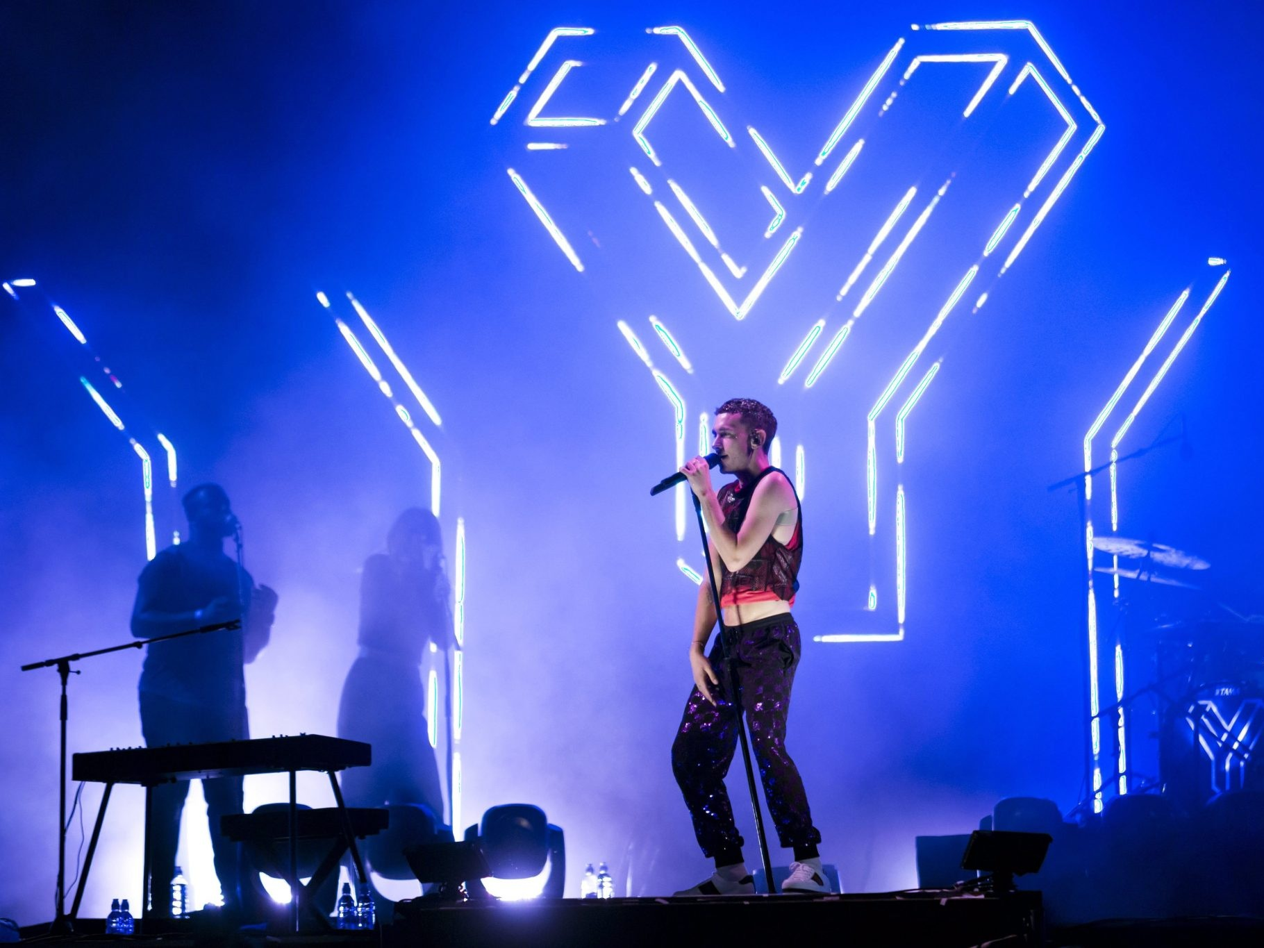 YEARS AND YEARS: FESTIVAL RIG   Scenic fabrication / Cassius Creative