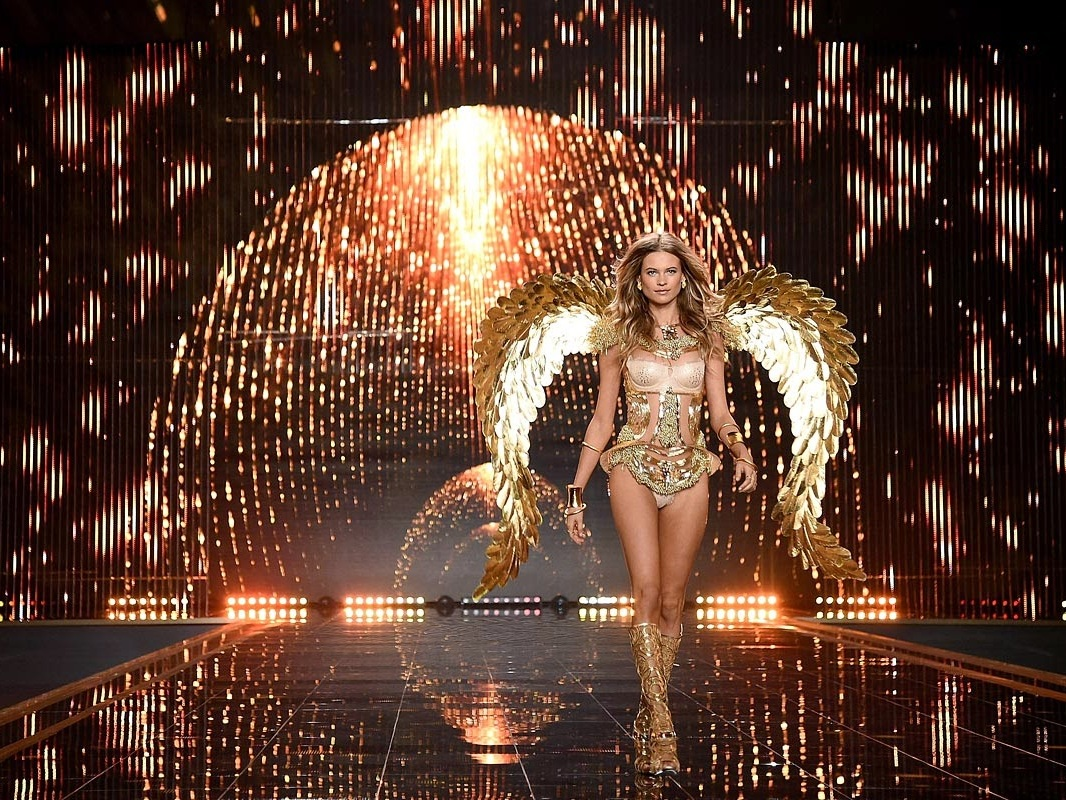 VICTORIA'S SECRET   Scenic Fabrication / Done and Dusted