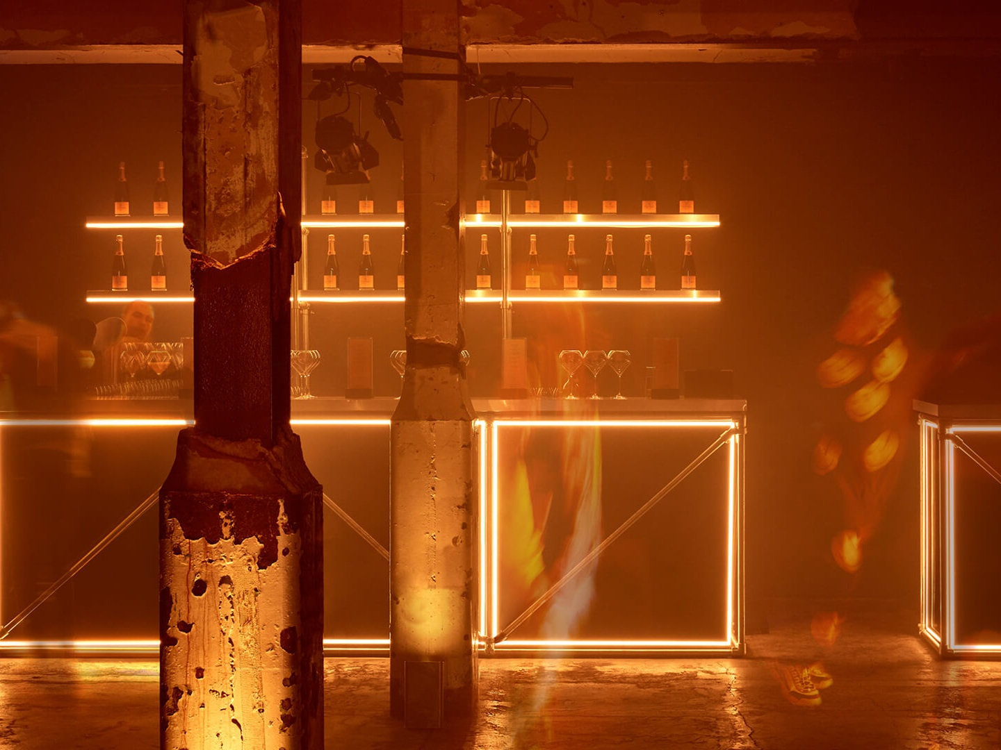 VEUVE CLICQUOT   LED installation / Renegade