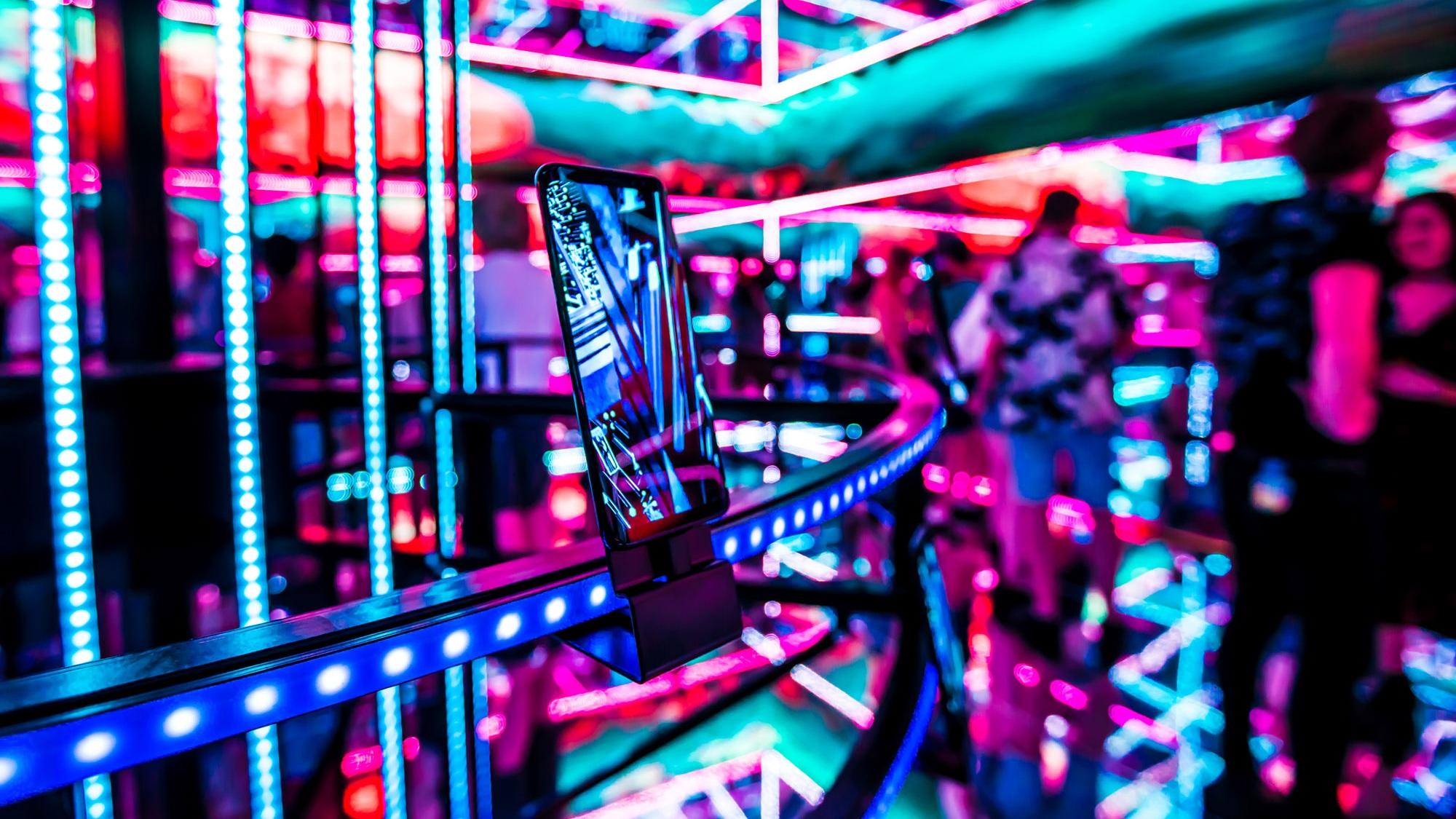 SAMSUNG HYPERCUBE   Touring LED package - GiaNova