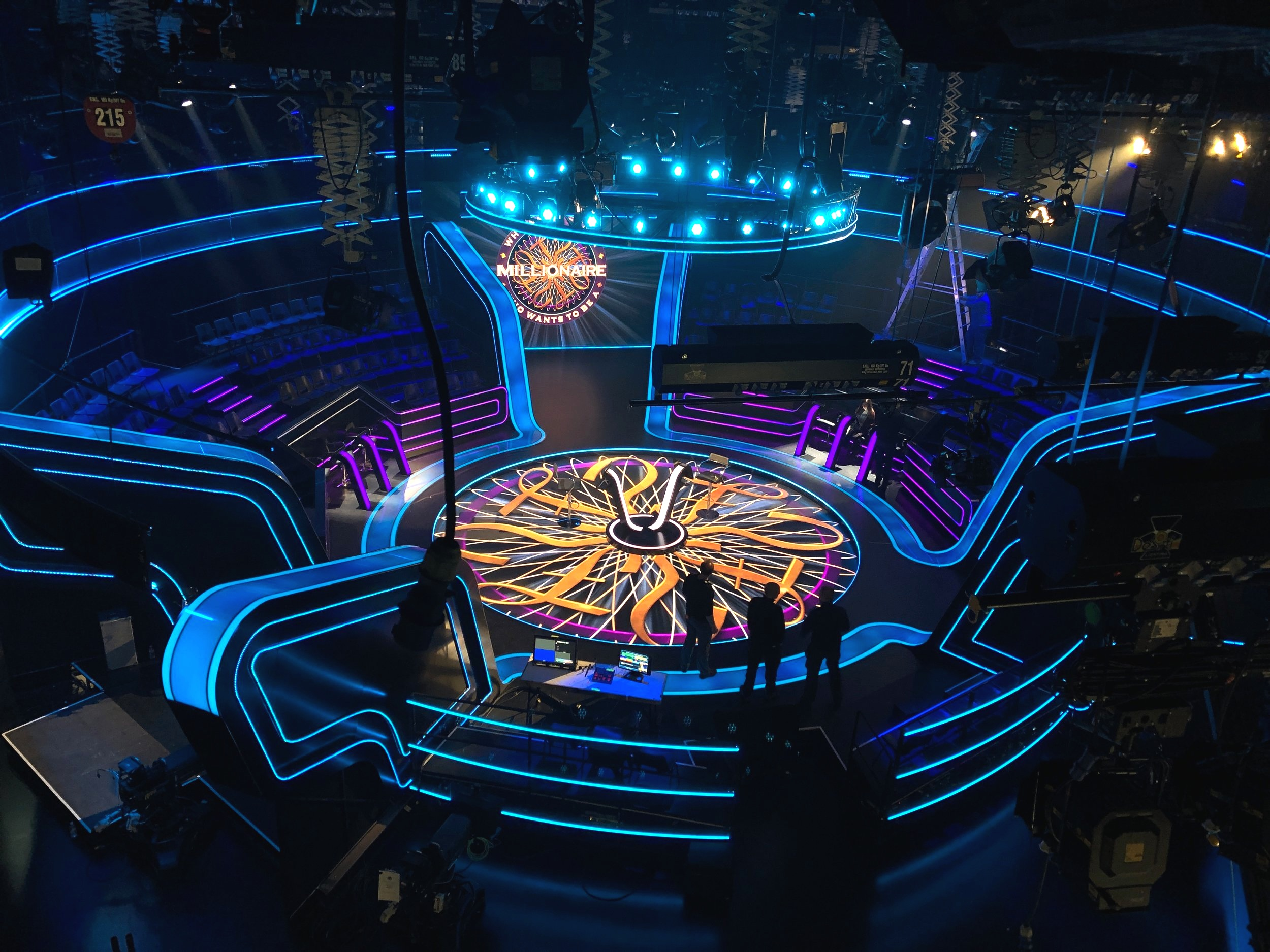 WHO WANTS TO BE A MILLIONAIRE   LED installation / set design: Patrick Doherty, lighting design: Dave Davey