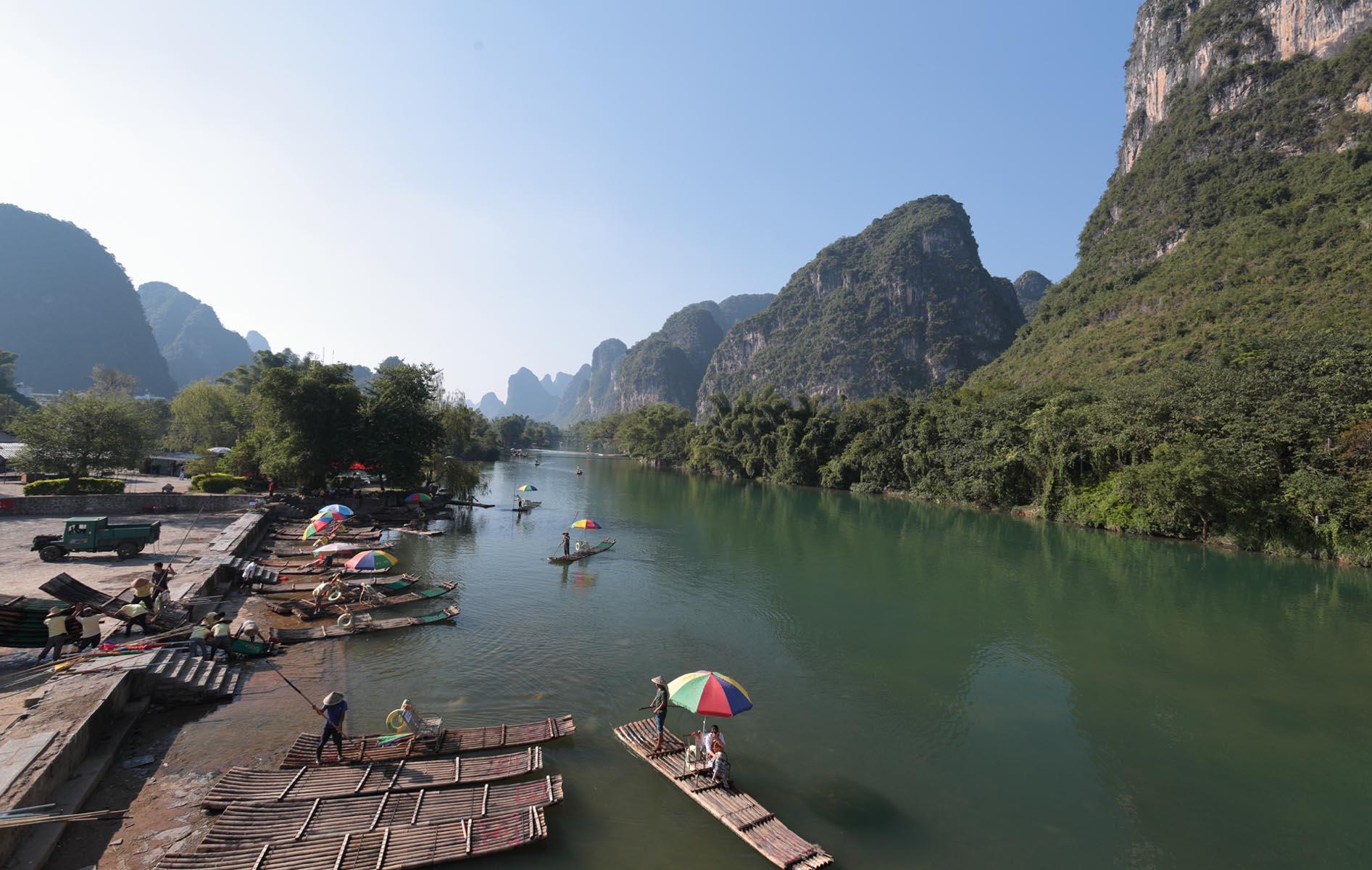 Touring in Lu Yong River. Landscape EDPI. Li Ting Jiang