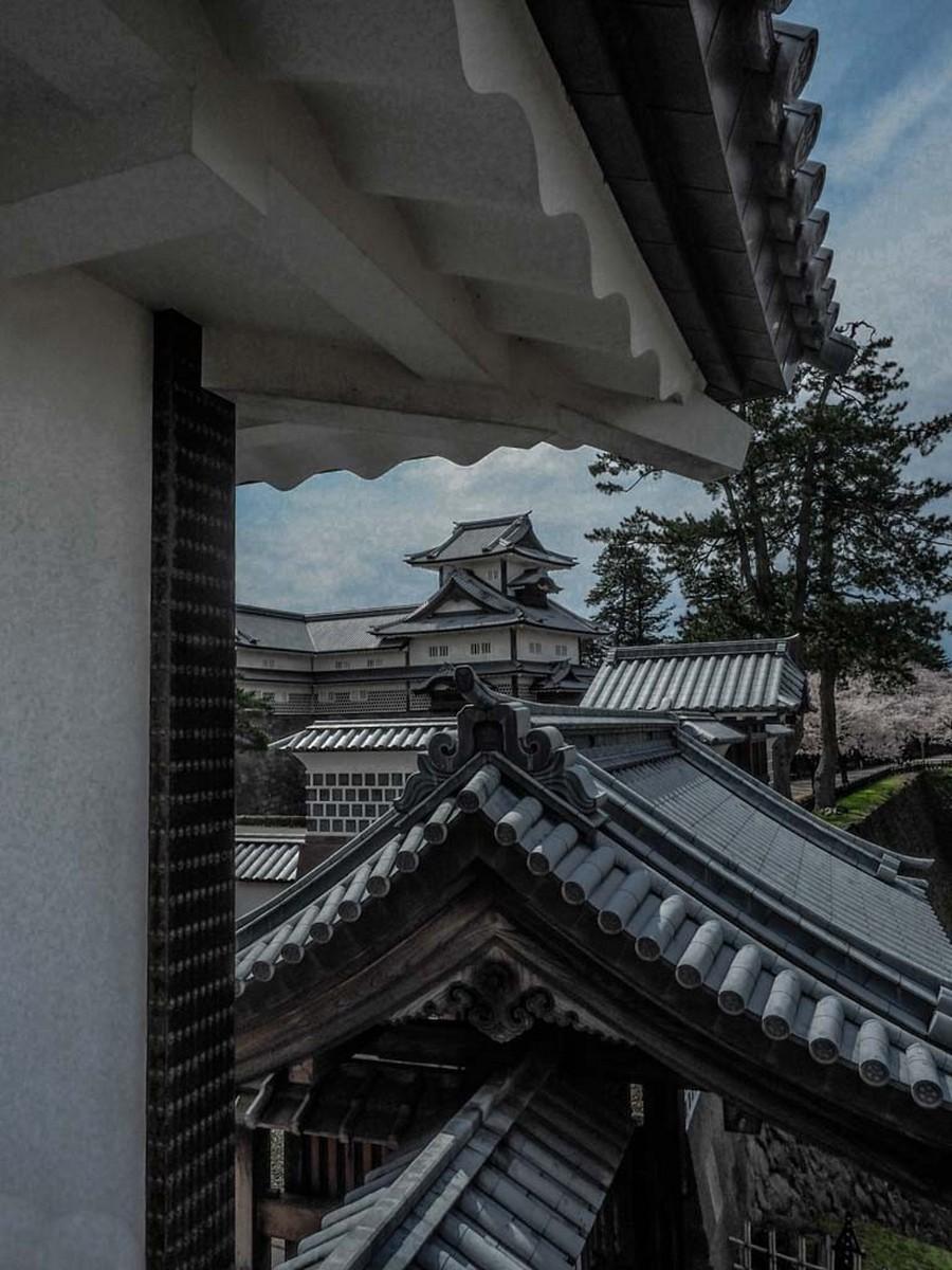Kanzawa Castle Rooftops. Open. Jill Robertson
