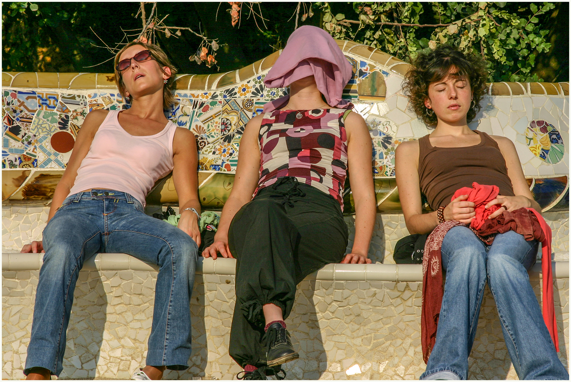 Parc Guell Nappers. Open