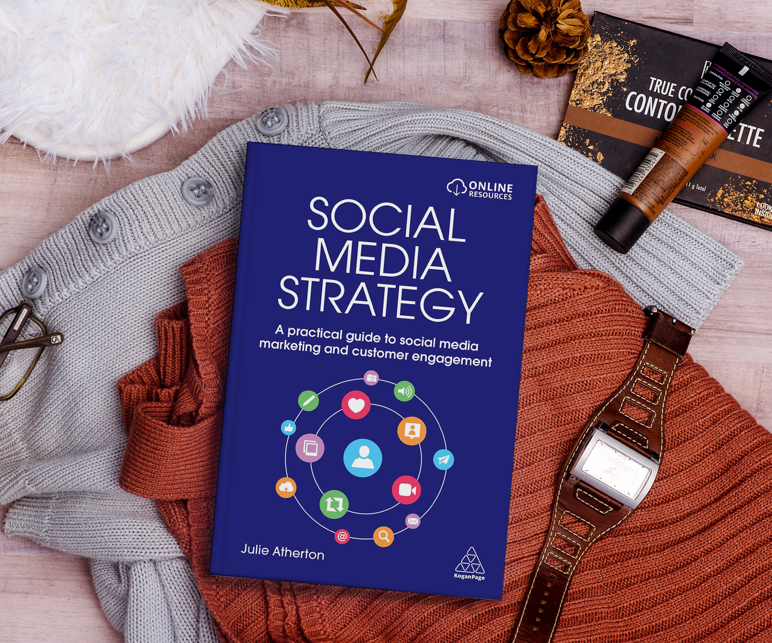 Discover Julie's book - Looking for a simple, structured approach to social media marketing? This is the book for you.