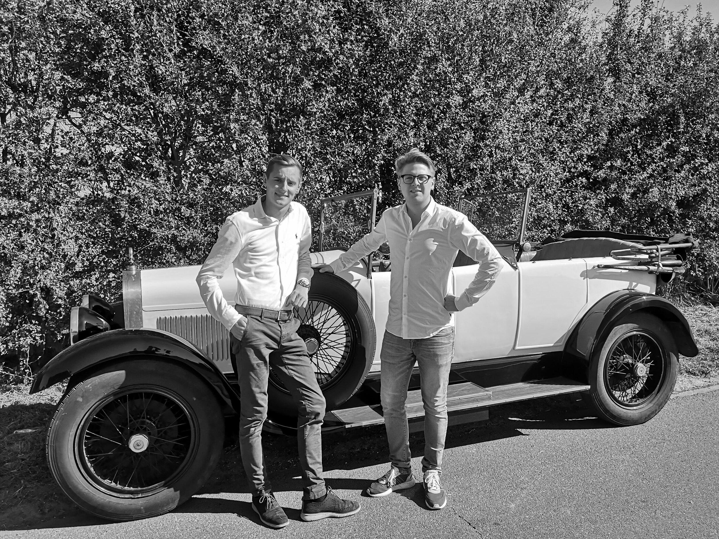 Michael Bossaert & Bas Meulemeester,  Prewar Days .  Studenten Event- en Projectmanagement   Unieke oldtimerbeurs die zich toespitst op de automotive branche van voor de tweede wereldoorlog.