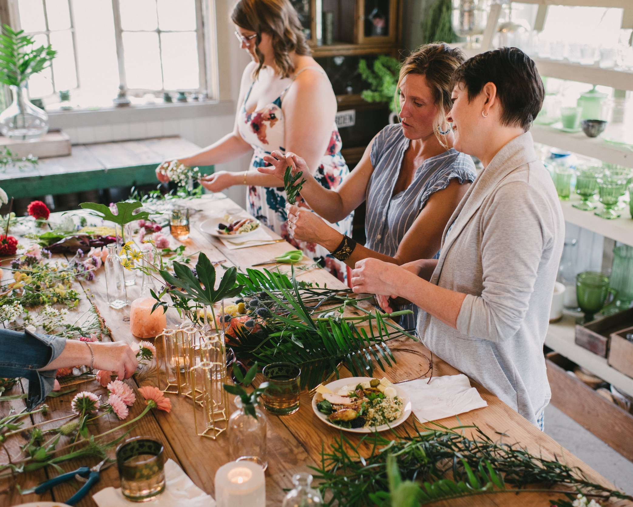 interact - Gather with your friends and for a hands-on learning experience as floral artists at our farm studio.