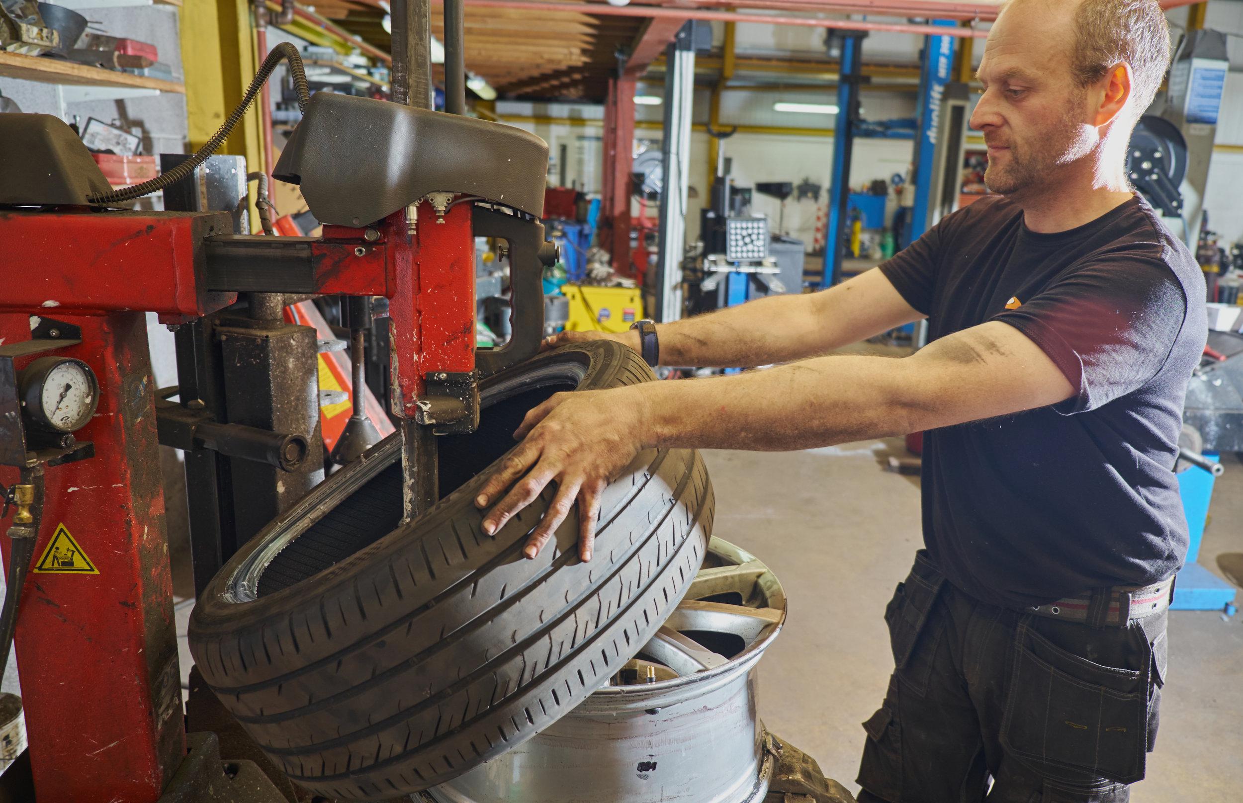 Car tyres, Bangor wheel alignment