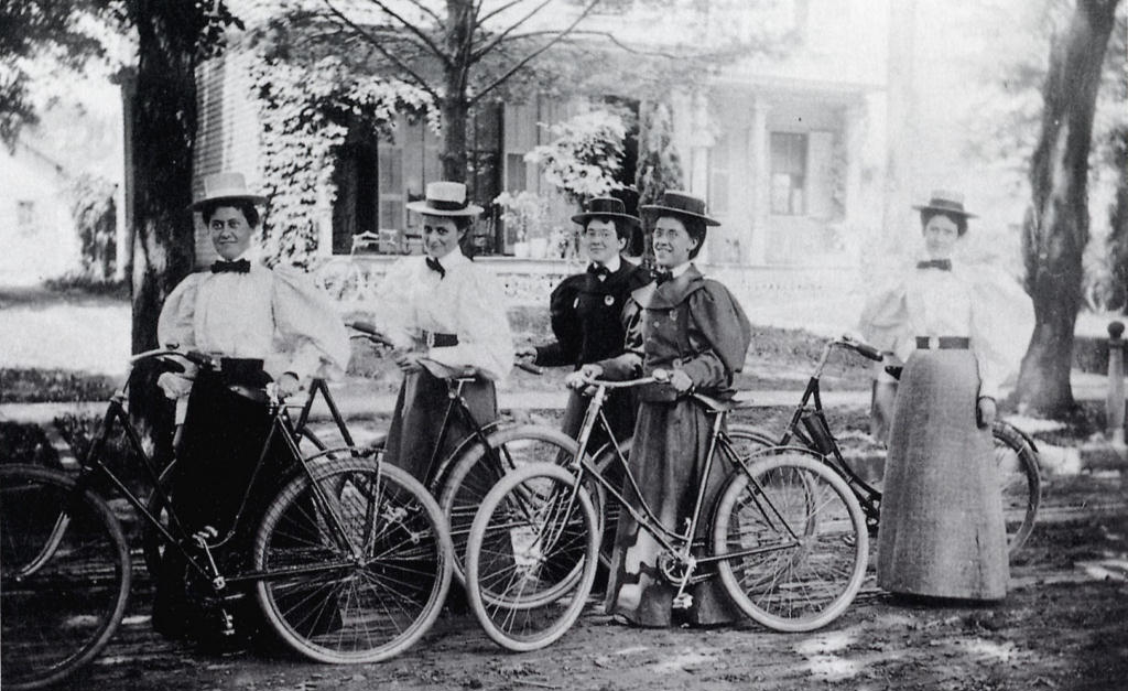 1896_Oberlin_Bicycle_Outing.jpg