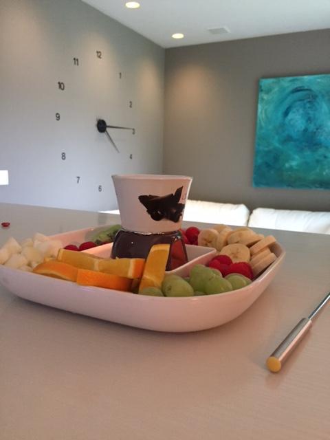 Cupido arrangement - 2u: €135€ - 3u: €165Verwen je liefste met ons top-arrangement!Een bord heerlijk vers fruit met chocoladefondue en een fles heerlijke cava in onze romantische wellness...Dat is pas genieten!