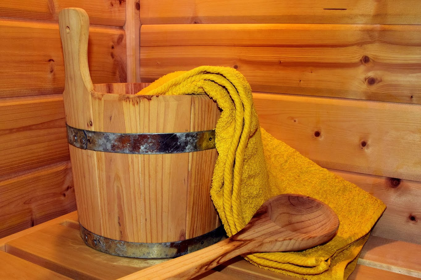De weldadige warmte van de sauna, stoomcabine en infraroodrelax warmen je spieren op zodat die helemaal zacht en soepel worden. Ga als herboren terug naar huis!