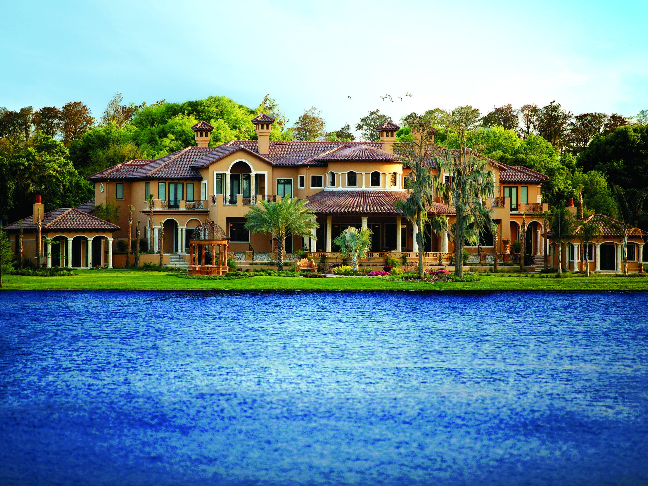 CURRENT LISTINGS - Isleworth offers extraordinary estate homes and home sites set among grand cypress and oak trees and surrounded by Central Florida's renowned Butler Chain of Lakes. Whether overlooking the championship golf course or set along one of the seven miles of shoreline, Isleworth provides an unmatched combination of architecture, amenities, service and security.