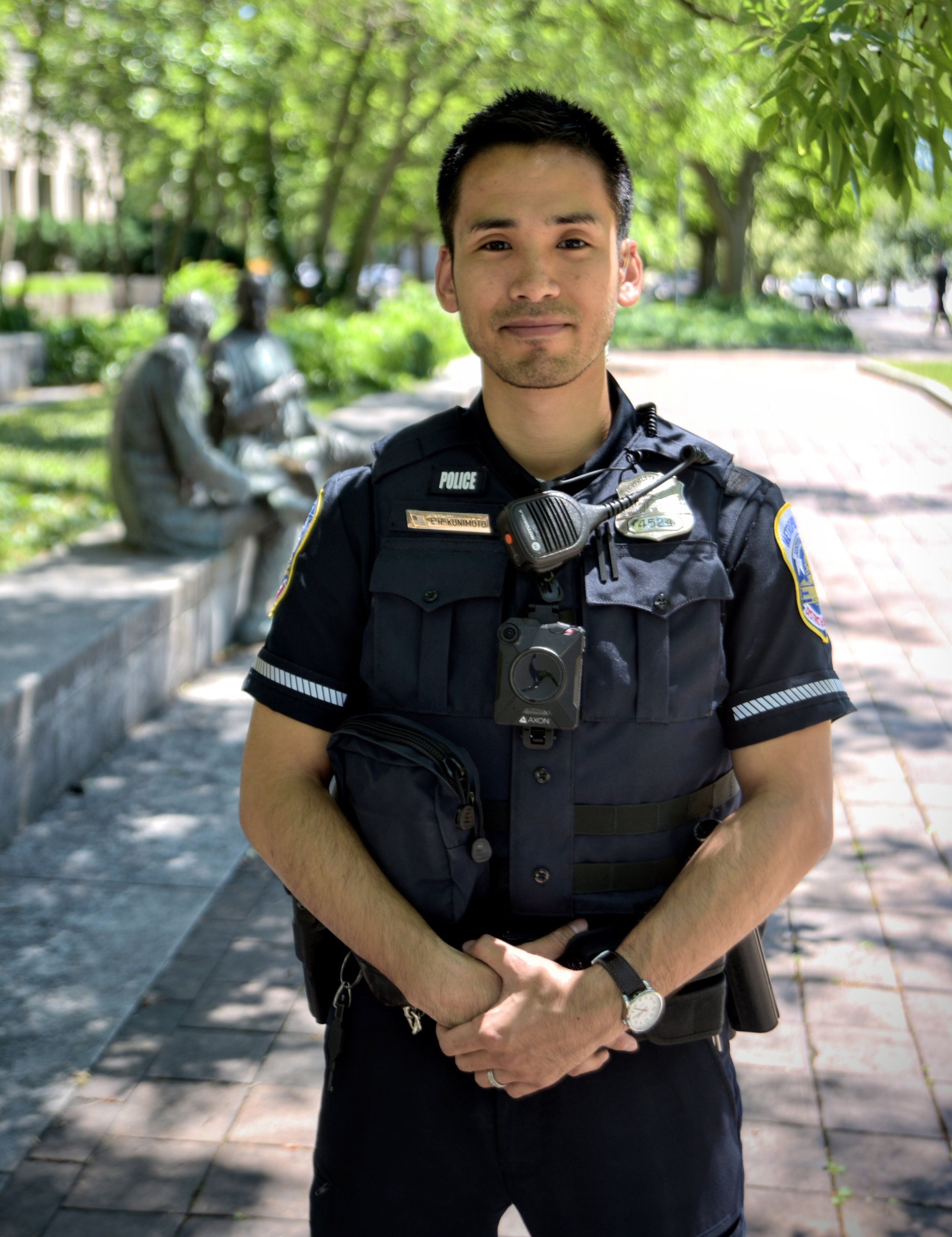 An MPD officer with a body-worn camera. (Credit: MPD Press)