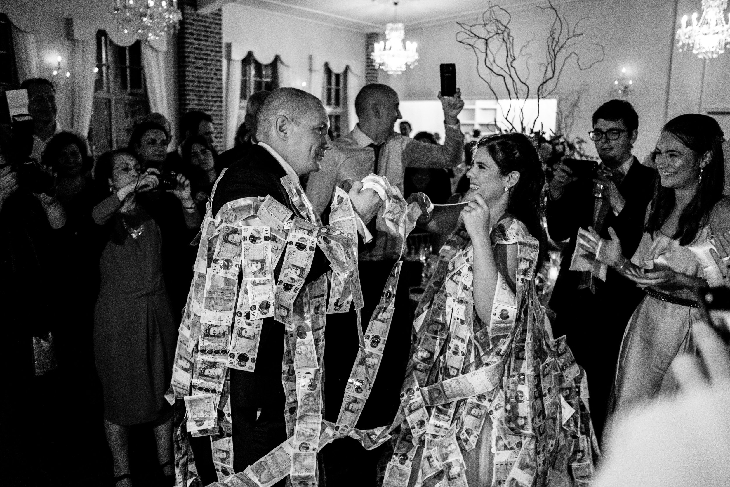 how much does a wedding stylist cost?