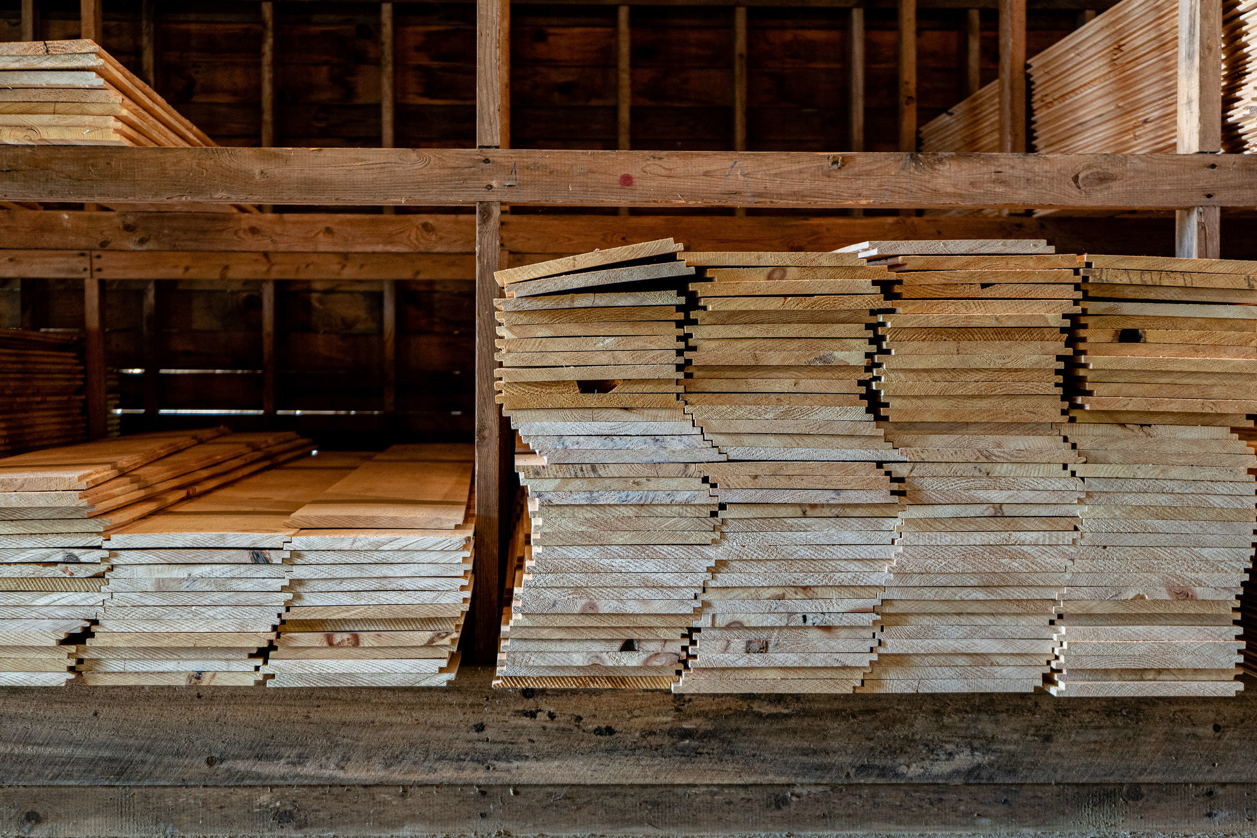 Kiln Dried Pine & Hemlock - We have sawn hemlock and pine in stock.