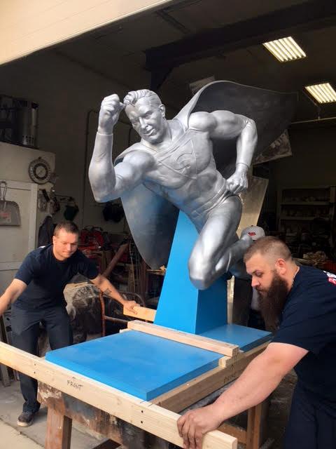 wood-lee-art-handler-statue-v1.jpg