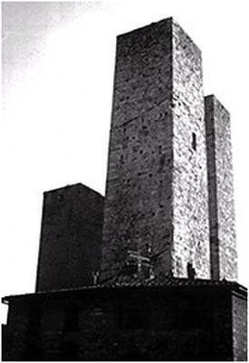 Medieval twin towers, San Gimignano Photo: Eric Darton