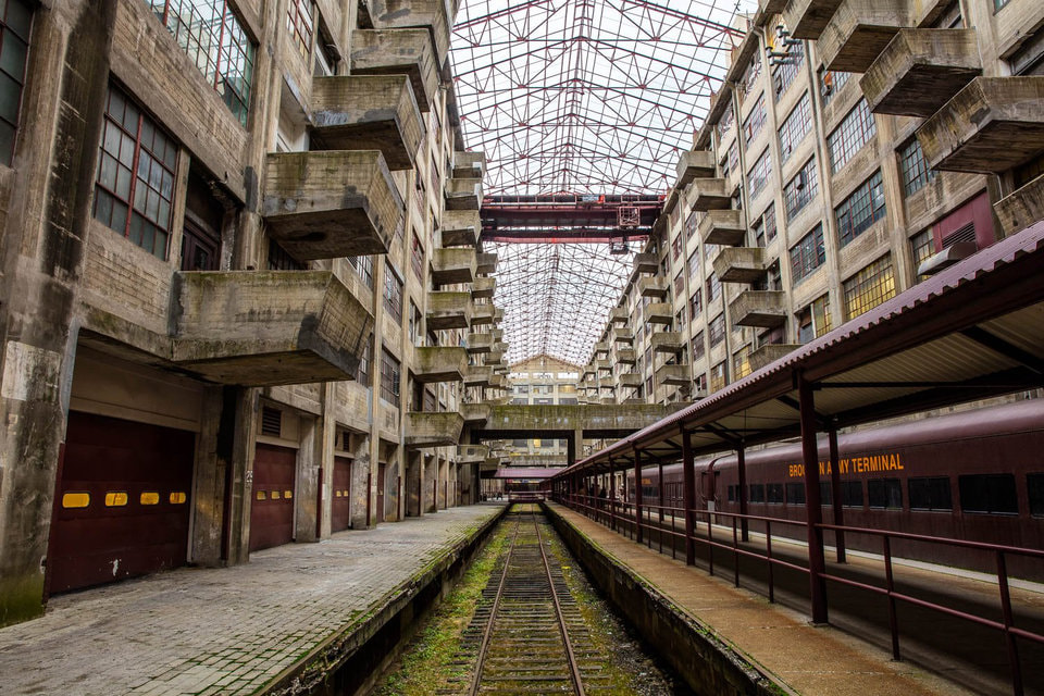 Barbara Christen , author of   Cass Gilbert, Life and Work  , on Brooklyn Army Terminal, the military-site-turned-manufacturing-complex in Sunset Park, designed by the famous architect