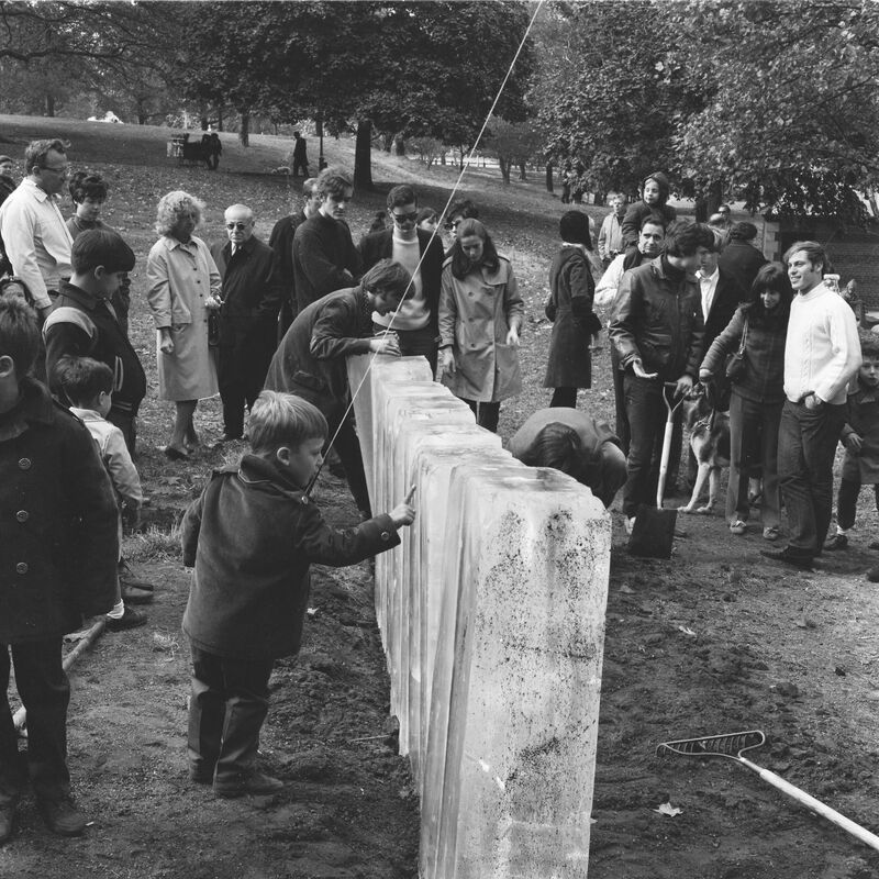 Kinetic Environment II, October 29, 1967. Artist Willoughby Sharp organized Kinetic Environment II, the second festival in Central Park that featured temporary installations with materials such as fog, ice, bubbles, and balloons with which the public could interact. Participating artists included Hans Haacke, Richard Hogle, Preston McClanahan, Charles Ross, and John Van Saun.