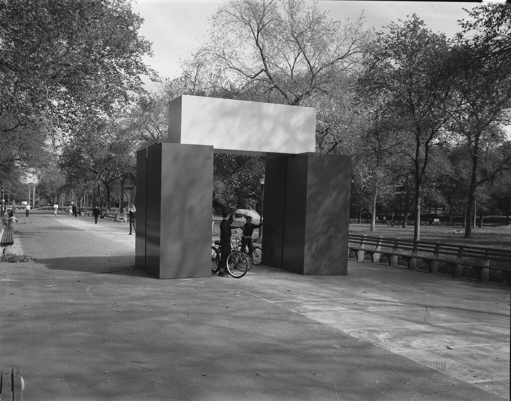 Lyman Kipp, Boss Linco, Central Park, Sculpture in Environment Exhibition, October 1–31, 1967. The city's first large-scale exhibit of public sculpture was, like happenings and other events, intended to reactivate parks and other urban spaces. In Central Park, this contemporary sculpture installed along the Mall provided a stark contrast to the nineteenth-century commemorative monuments in this part of the park.