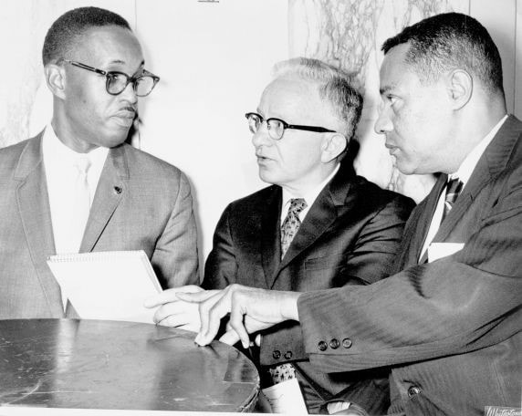 Charles Cogen (center), 1966. AFT Photo Collection, Walter P. Reuther Library, Wayne State University.