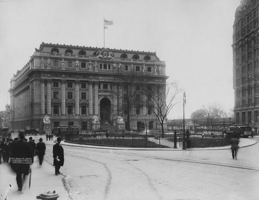 Figure 1:  U.S. Custom House and Bowling Green,  1908. Photograph. New-York Historical Society.