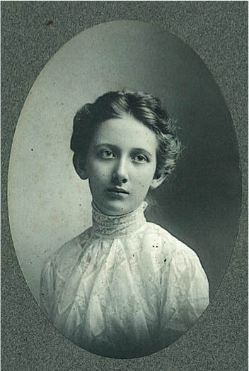 Mary in 1902. Courtesy of Peter Seymour.
