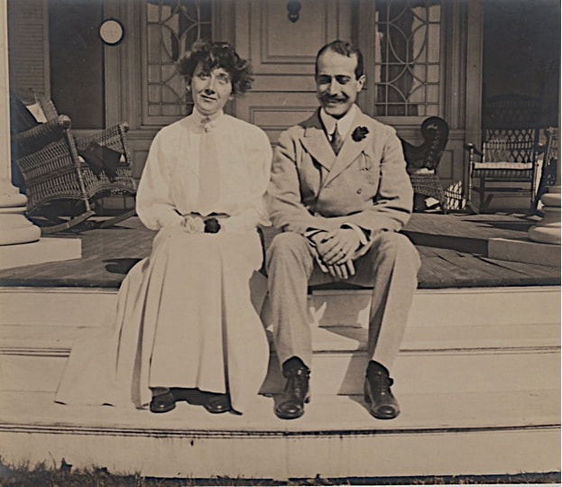 Mary and Guilio on their honeymoon in Southampton, Long Island, 1907. Courtesy of Vittoria McIlhenny.