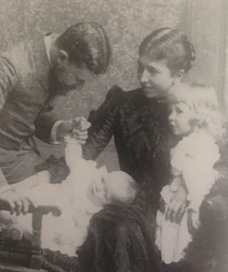 """Wintie Chanler with his wife Margaret (""""Daisy"""") Terry, and their first two children, John Winthrop (left) and Laura Astor Chanler. Photographed in Rome, ca. 1890. Source: Lately Thomas, The Astor Orphans: Pride of Lions (Washington Park Press, 1999)."""