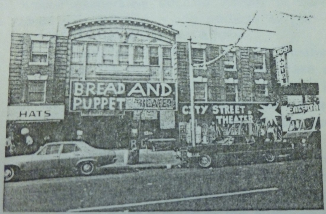 Bread and Puppet Theater, Coney Island (Bread and Puppet Theatre Archives, UC Davis Special Collections Library).