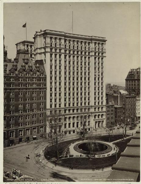 Bowling Green Offices. Photograph 1900. New York Public Library.