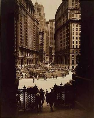 View of Bowling Green from the Custom House. Cunard Building at left, Standard Oil Building at right. Photograph c. 1935. New York Public Library