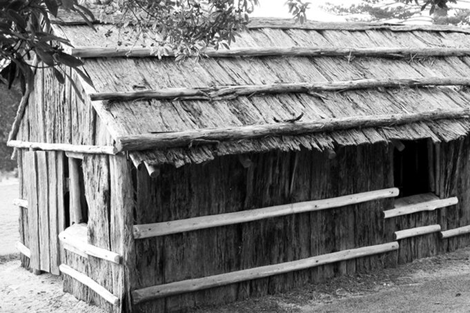 Figure 4: 19th century settlers' bark clad and bark roofed hovel in Australia, as reconstructed in 1985 following the loss of the original in a fire. Though distant from New Amsterdam in both time and place, the principles of construction may not have been so very different. (Photo: Gerald's World on flickr.com)